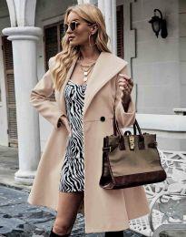 Елегантно вталено дамско палто в бежово - код 3908