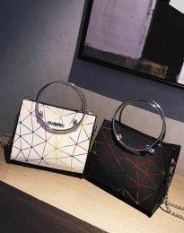 Ефектна дамска чанта в черно - код B315