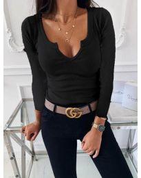 Изчистена дамска блуза в черно - код 875