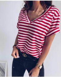 Дамска тениска на райе в червено и бяло - код 3141