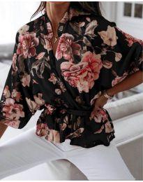 Свободна дамска риза на цветя в черно - код 127
