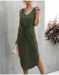 Свободна дамска рокля в маслено зелено - код 681