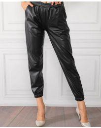 Дамски панталон в черно - код 8986