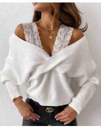 Ефектен дамски пуловер в бяло - код 9266