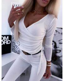 Бяла блуза по тялото с голямо деколте - код 275