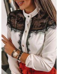 Бяла дамска риза с черна дантела - код 069