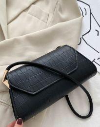 Дамска чанта в черно - код B422