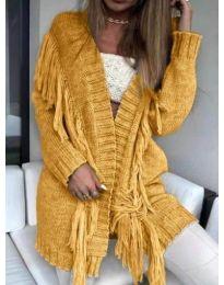 Плетена жилетка с пискюли в горчица - код 246