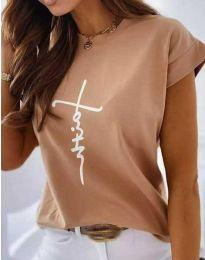 Тениска в цвят капучино с принт - код 11826