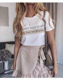 Дамска тениска в бяло с ефектен принт - код 962