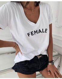 Свободна дамска тениска в бяло с надпис - код 3294