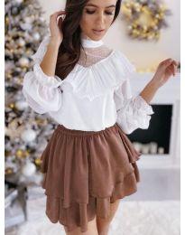Бяла свободна блуза с интересно деколте- код 013