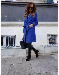 Дълго палто с колан в синьо - код 182
