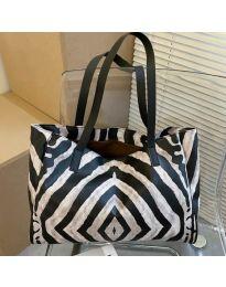 Дамска чанта с животински десен - код B158 - 3
