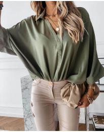 Изчистена дамска риза в  маслено зелено - код 5081