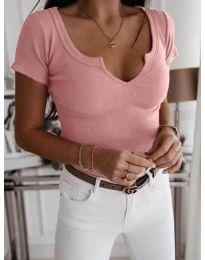 Розова вталена тениска с отворено деколте - код 3667