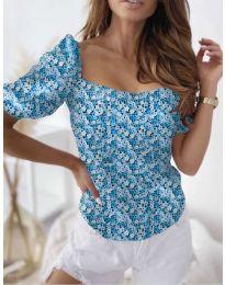 Блуза с флорален десен в светло синьо - код 9897