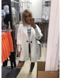 Свободно палто в бяло - код 916