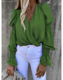 Стилна блуза с ефектни ръкави в зелено - код 5451