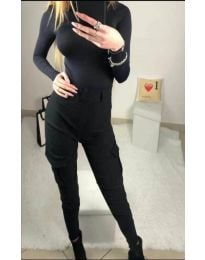Дамски панталон със странични джобове в черно - код 731