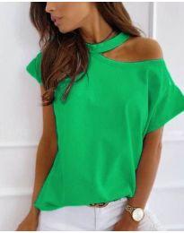 Дамска блуза в зелено с голо рамо - код 804