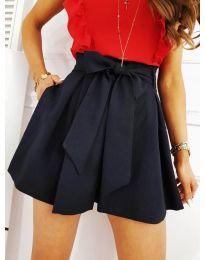 Къси панталонки в черно - код 0407