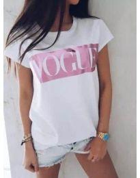 Бяла дамска тениска с щампа VOGUE - код 3139