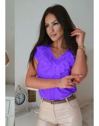 Тениска с къдрички на деколтето в лилаво - код 388