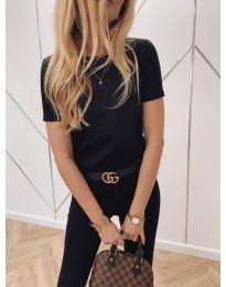 Изчистена дамска тениска в черно - код 824