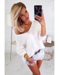 Свободен бял дамски пуловер - код 967