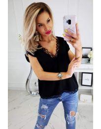 Блуза с дантела в черно   - код 965