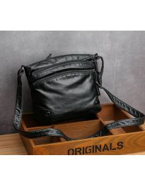 Дамска чанта в черно - код B31
