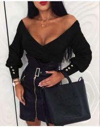 Дамска блуза с дълбоко деколте в черно - код 598