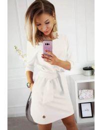 Изчистена рокля в бяло с колан при талията - код 594
