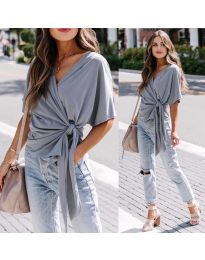 Изчистена дамска блуза в цвят сиво - код 0009