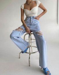 Дамска тениска рипс в бяло с отворено деколте - 0844