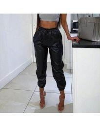 Широк панталон с ластик в черно - код 023