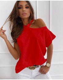 Дамска блуза в червено с голо рамо - код 804