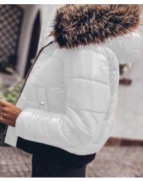 Дамско яке в бяло с пух - код 4949