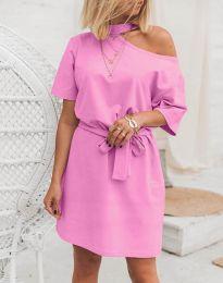 Дамска рокля в розово с голо рамо - код 5848