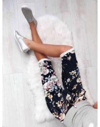 Къс панталон с флорален мотив в тъмносин цвят - код 185