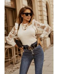 Дамска блуза в бяло - код 40222