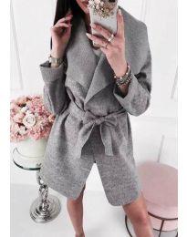 Изчистено сиво палто с колан - код 910