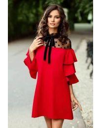 Елегантна рокля с тюл и ефектни ръкави в червено - код 019