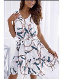 Феерична рокля в бяло с атрактивен десен - код 344