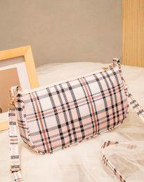 Атрактивна дамска чанта в розово - код B270
