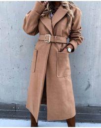 Дълго дамско палто с колан в кафяво - код 423