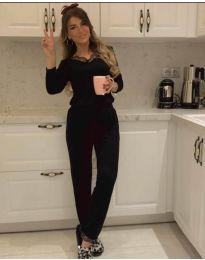 Дамски комплект блуза и панталон в черно - код 8024