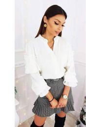 Дамска риза с ефектни ръкави в бяло - код 683
