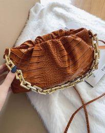 Ефектна дамска чанта в кафяво - код B395